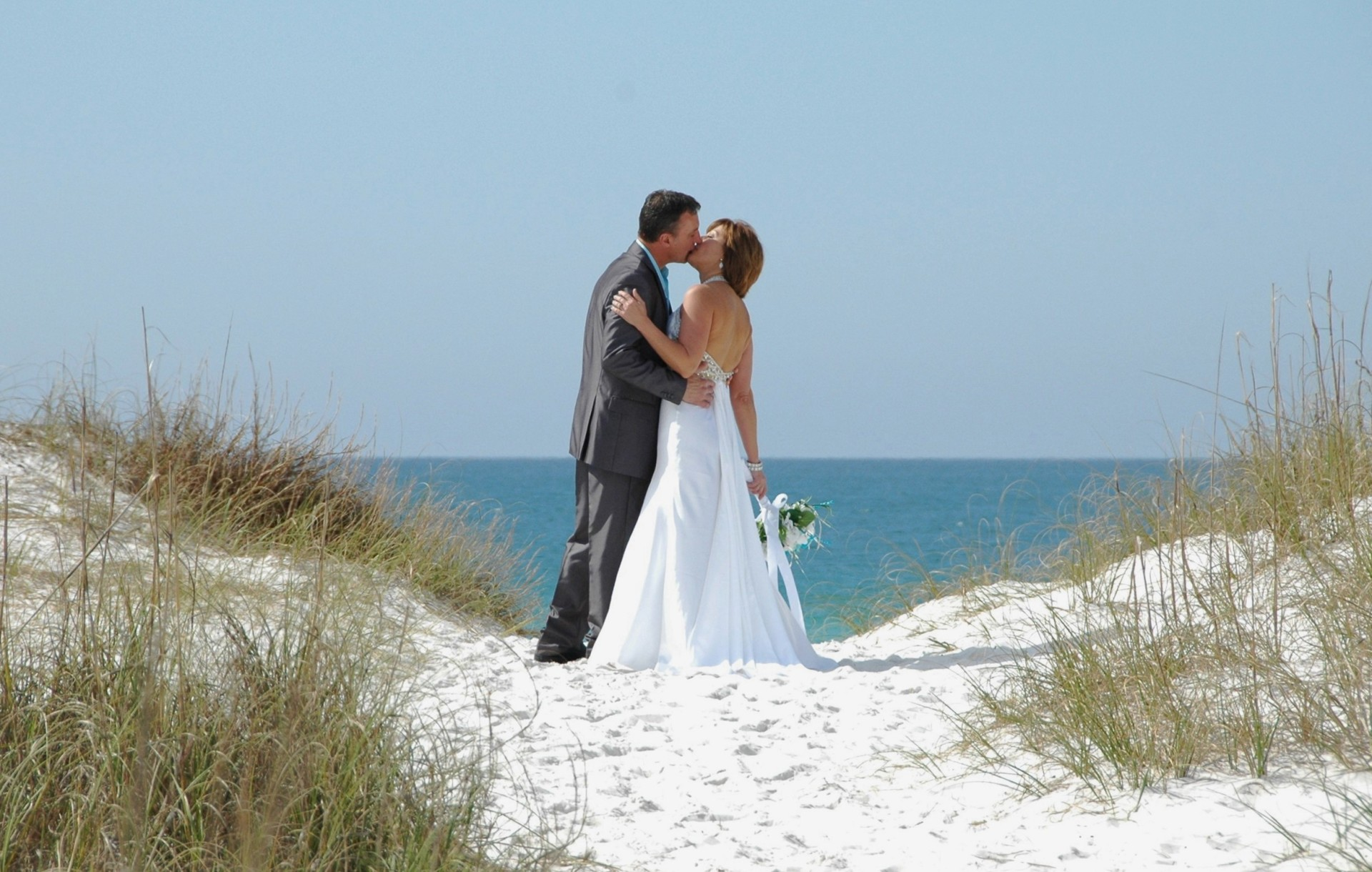 beach weddings, gulf, barefoot