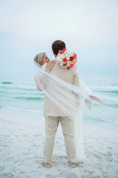 beach wedding, destin, barefoot weddings, elopement, vow renewal